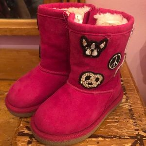 Harper Canyon Size 5 hot pink suede boots